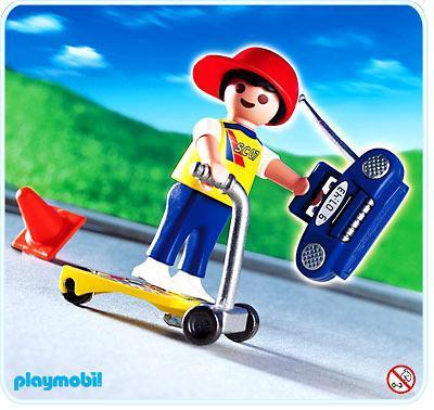 http://media.playmobil.com/i/playmobil/4636-A_product_detail/Garçon / patinette