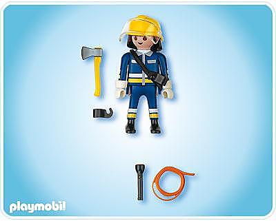 4675-A Pompier avec hache detail image 2