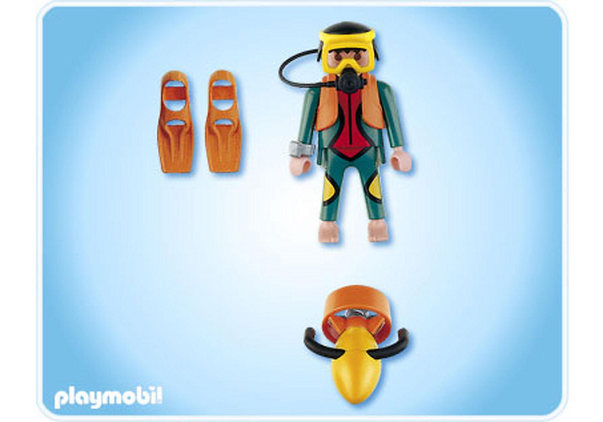 4688-A Plongeur avec propulseur nautique zoom image2