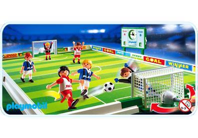 http://media.playmobil.com/i/playmobil/4700-A_product_detail/Joueurs / terrain de football