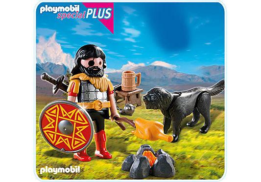 4769-A Barbar mit Hund am Lagerfeuer detail image 1