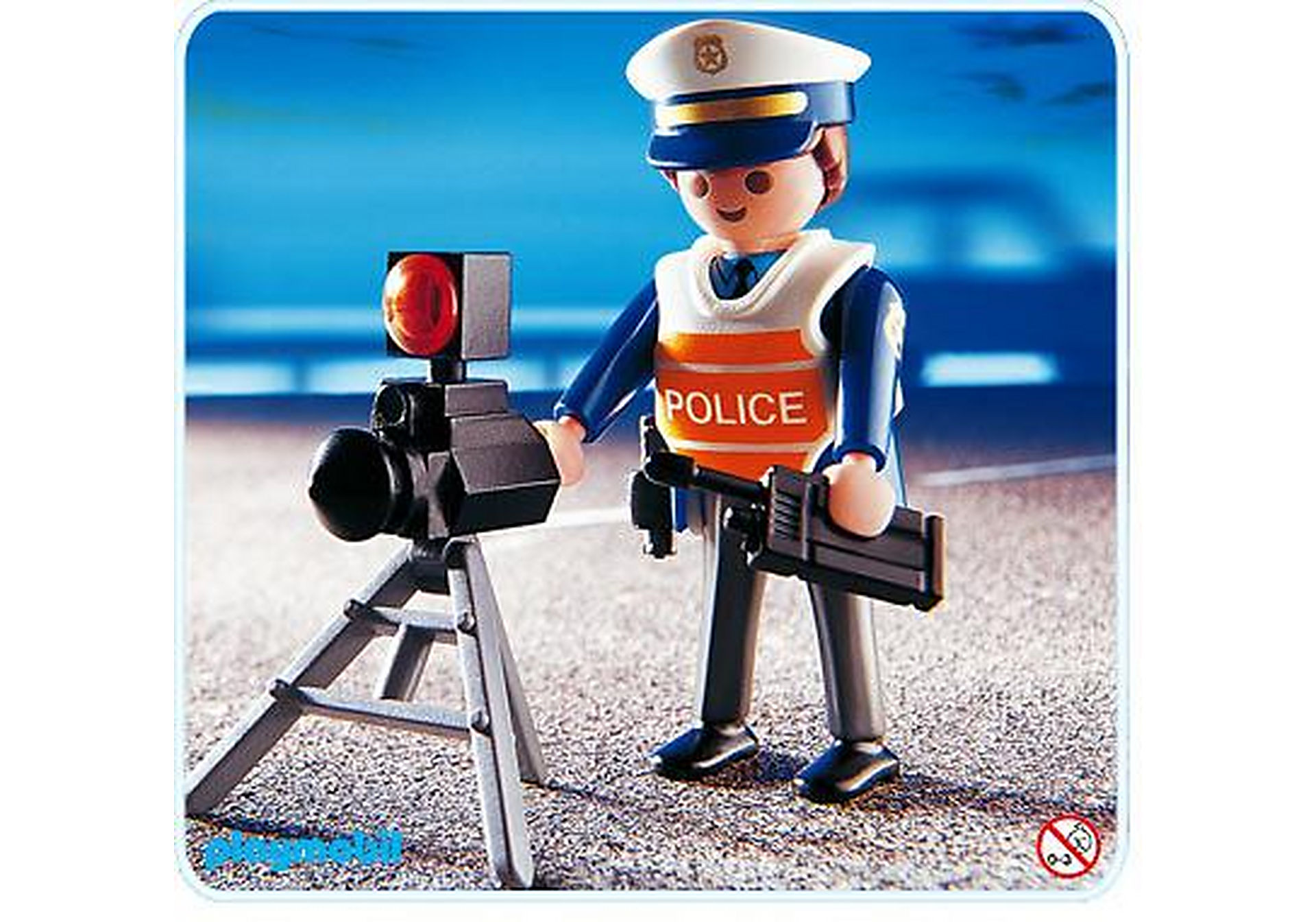 4900-A Policier/radar zoom image1