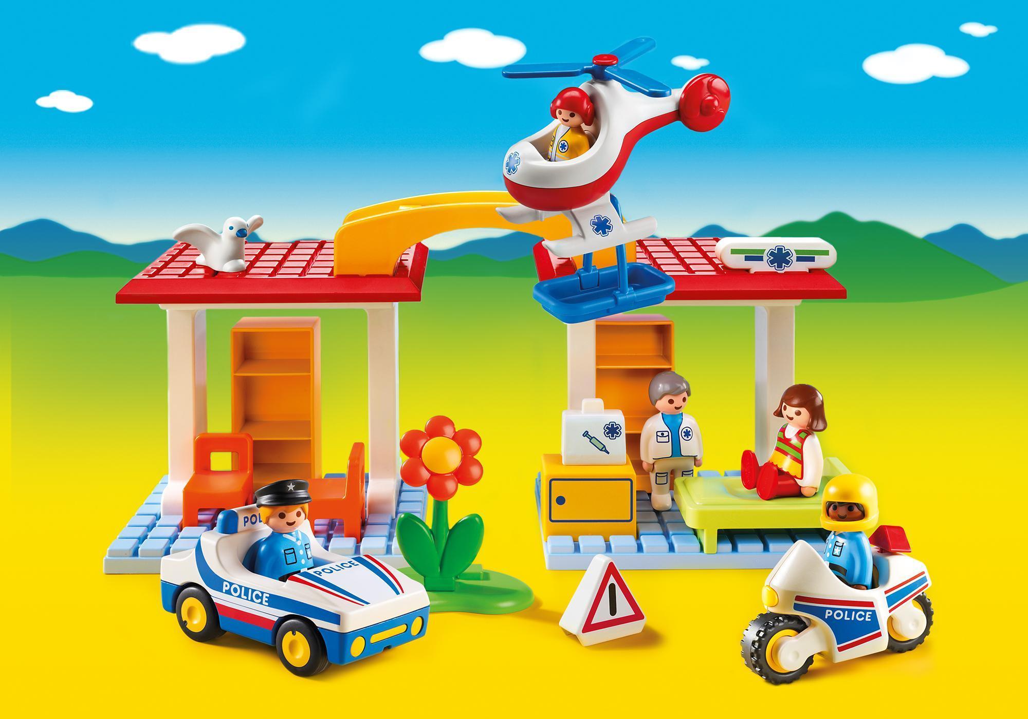 http://media.playmobil.com/i/playmobil/5046_product_detail/Polizei und Ambulanz 1.2.3