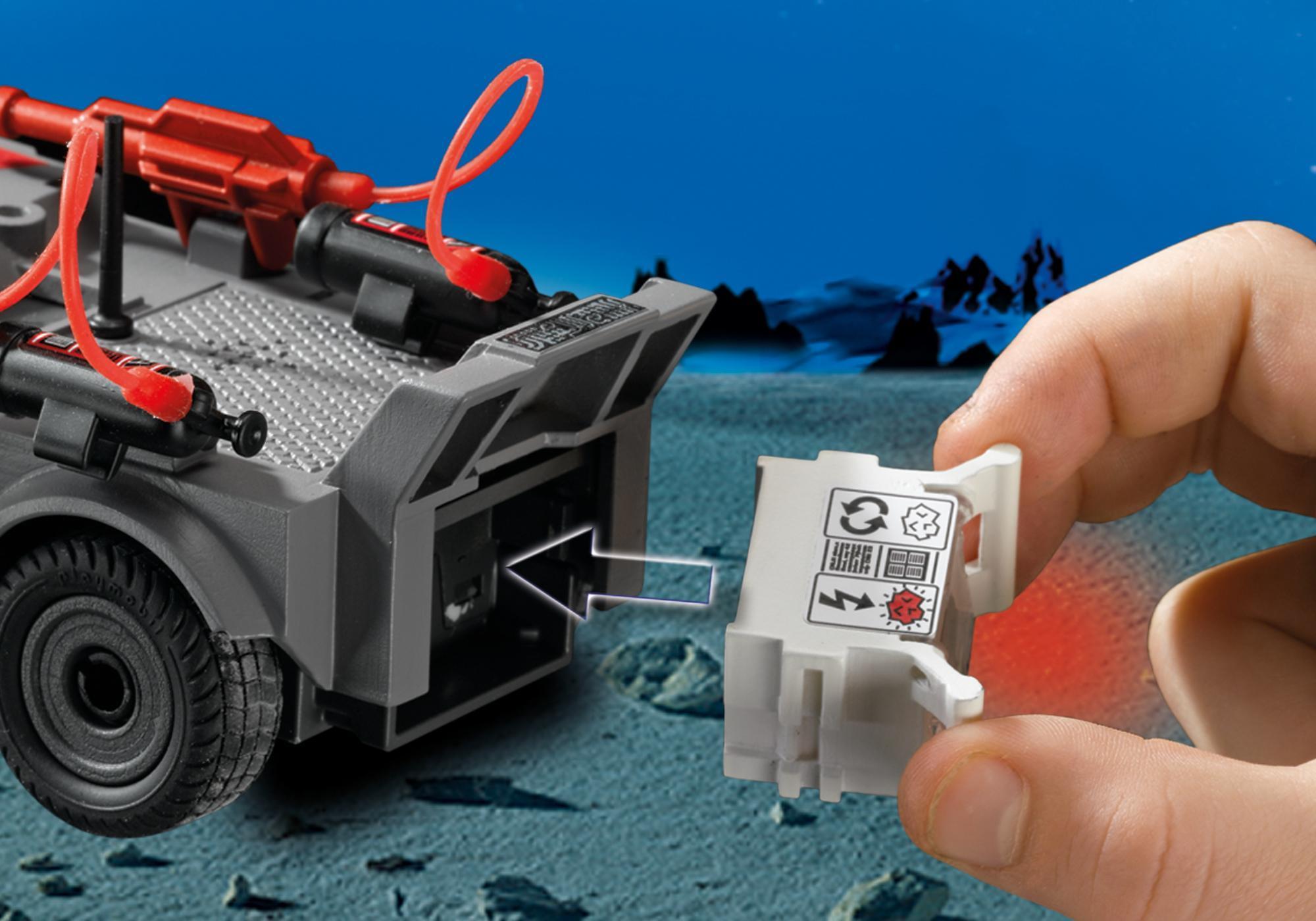http://media.playmobil.com/i/playmobil/5156_product_extra1/Stealer mit K.O.-Leuchtkanone