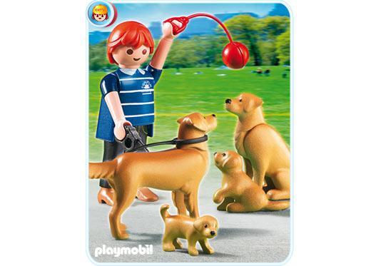 http://media.playmobil.com/i/playmobil/5209-A_product_detail/Golden Retriever-Familie