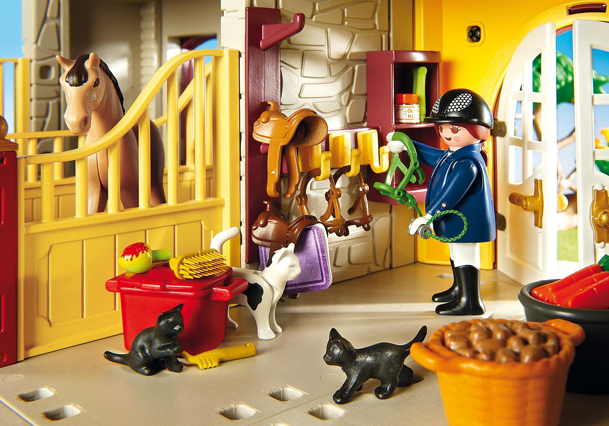 http://media.playmobil.com/i/playmobil/5221_product_extra5