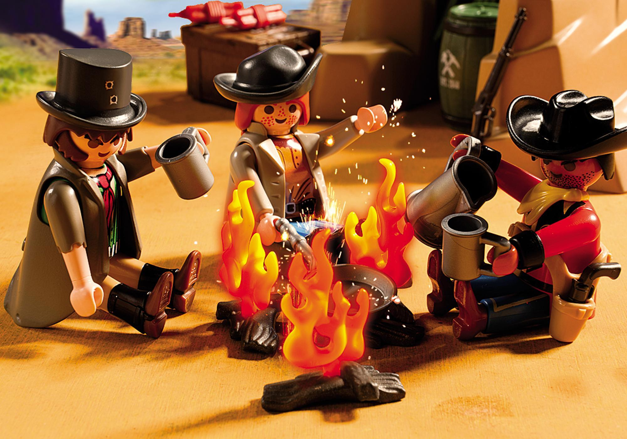 http://media.playmobil.com/i/playmobil/5250_product_extra2
