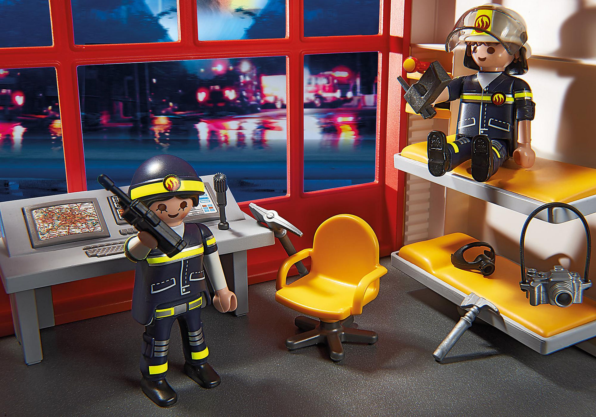 http://media.playmobil.com/i/playmobil/5361_product_extra2/Estación de Bomberos con Alarma