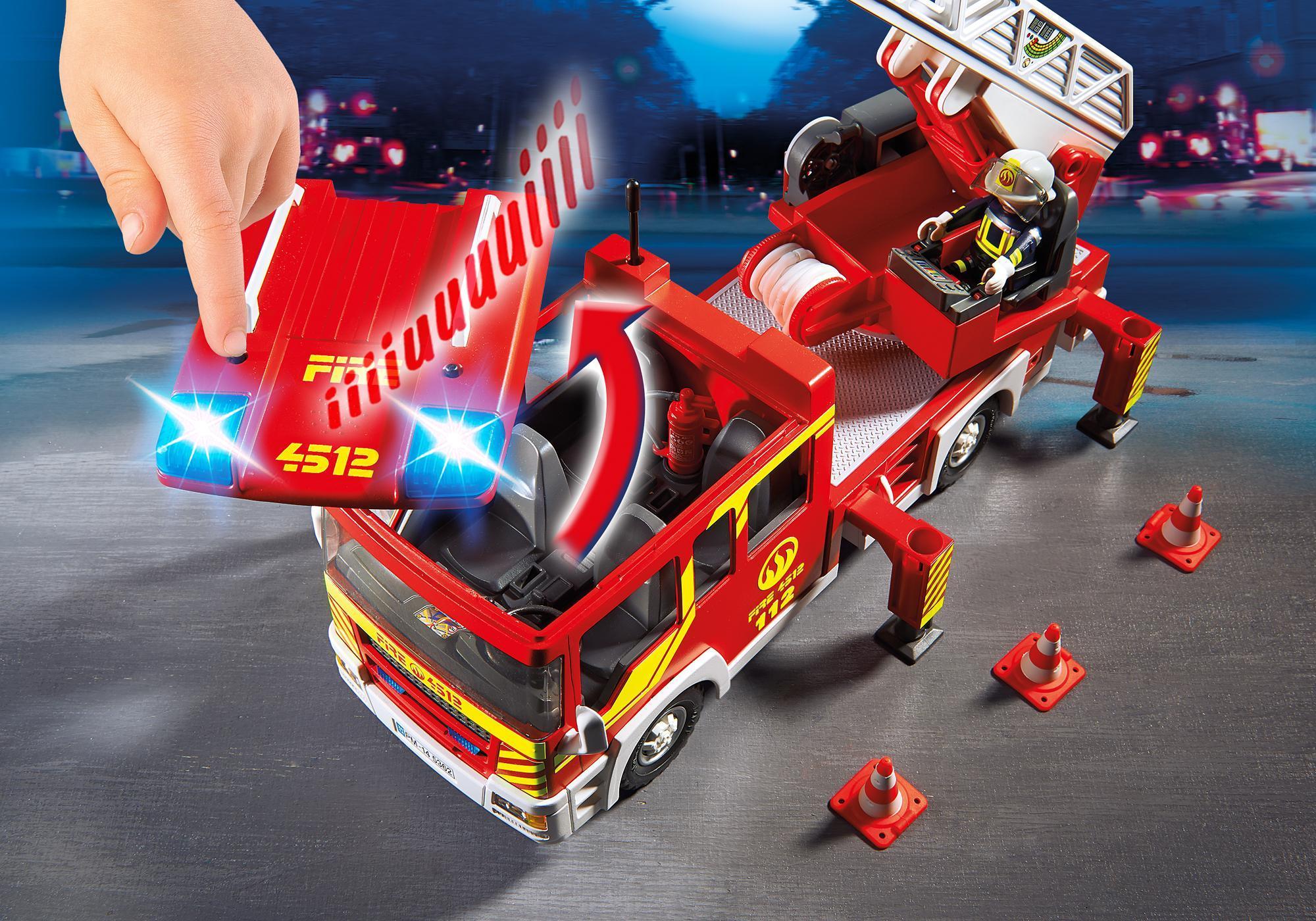 http://media.playmobil.com/i/playmobil/5362_product_extra1/Camión de Bomberos y Escalera con Luces y Sonido