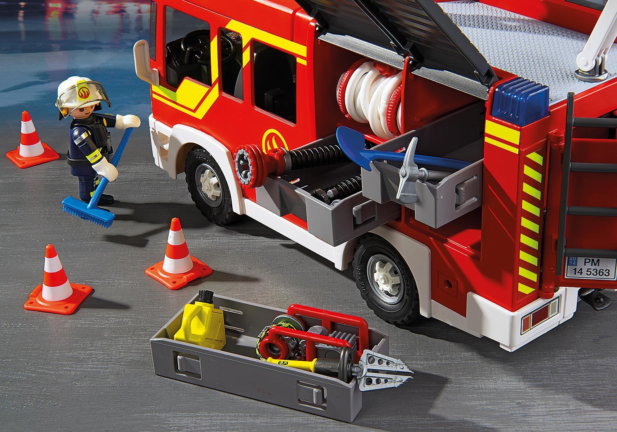 http://media.playmobil.com/i/playmobil/5363_product_extra3