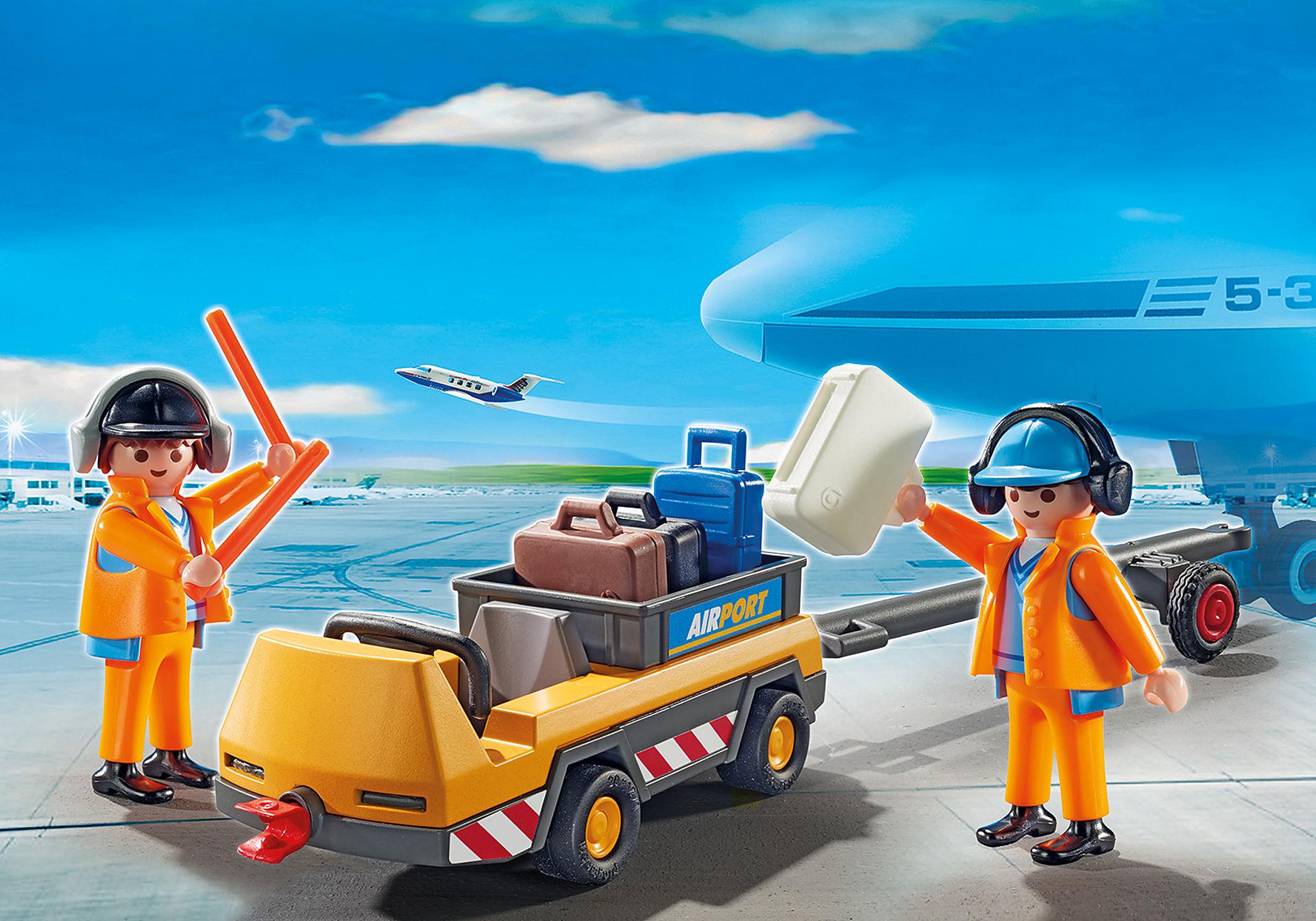 5396 Veicolo trasporto bagagli con addetti pista zoom image1