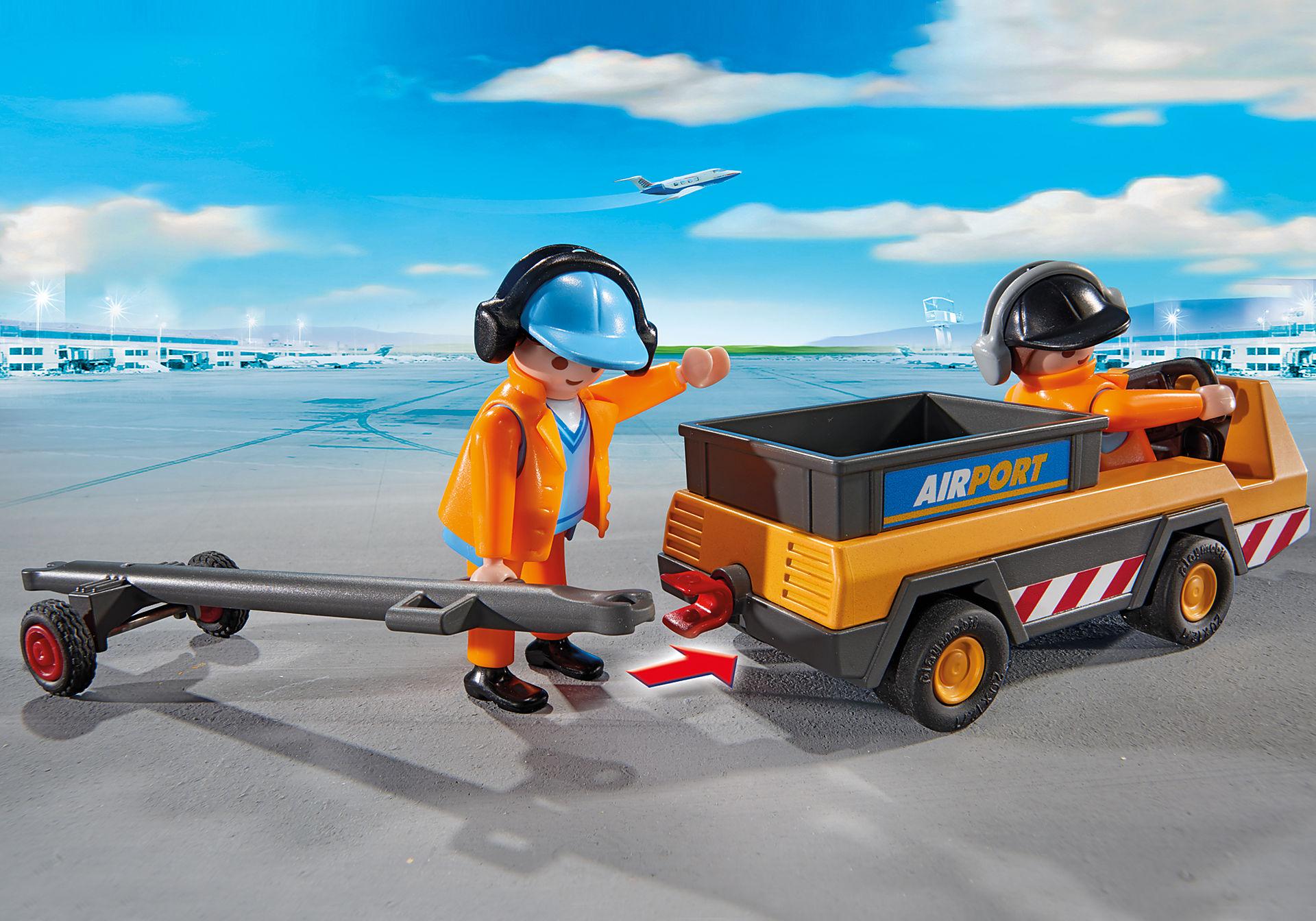 5396 Veicolo trasporto bagagli con addetti pista zoom image5