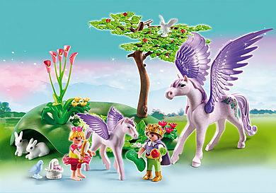 5478 Enfants royaux avec cheval ailé et son bébé