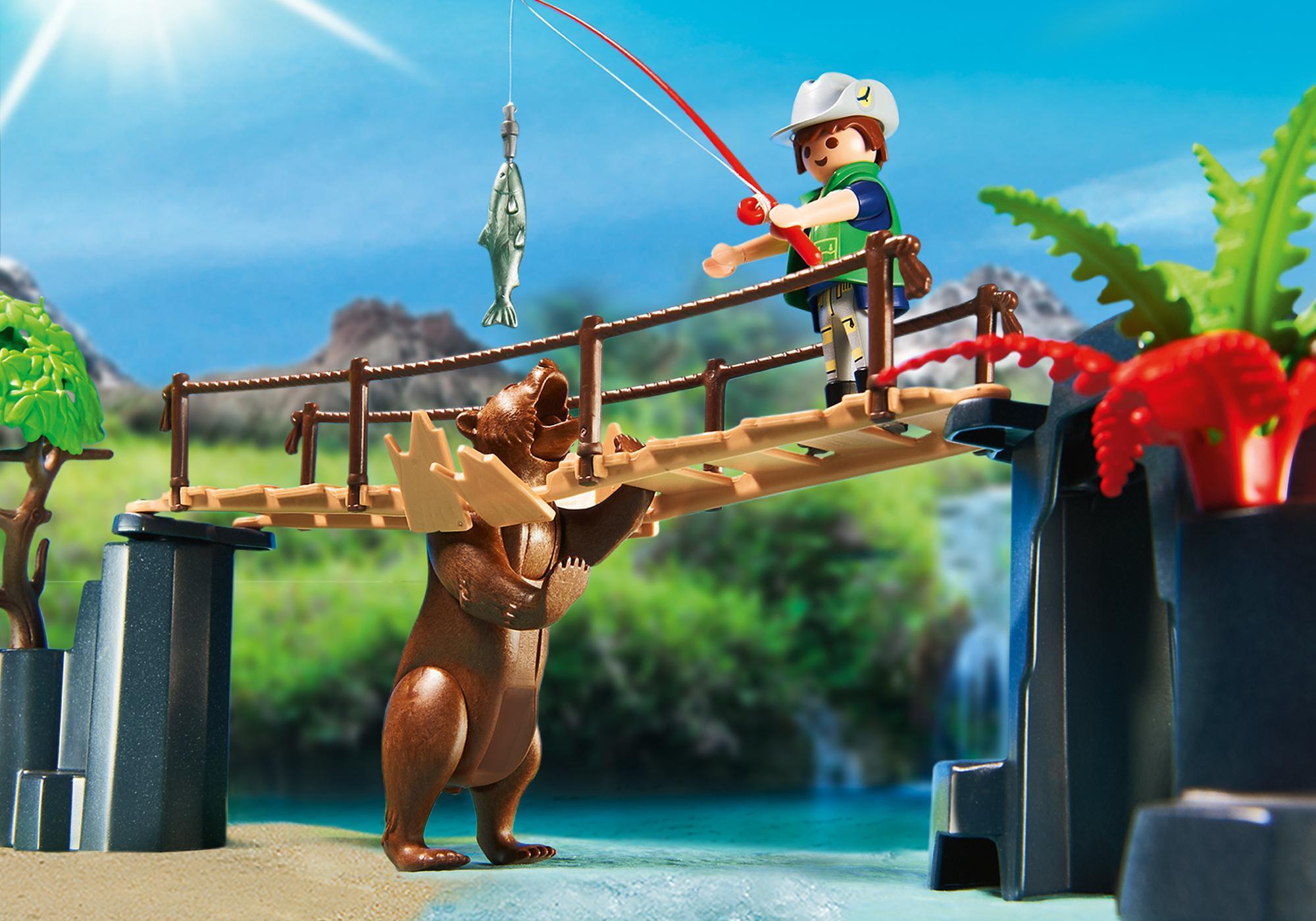 http://media.playmobil.com/i/playmobil/5557_product_extra1/Adventure Tree House