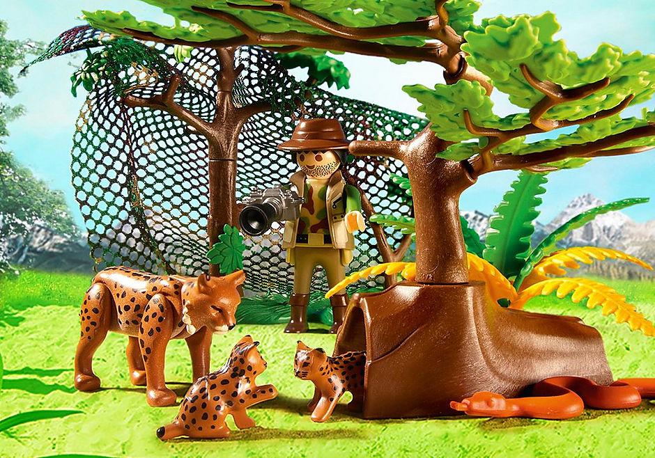 http://media.playmobil.com/i/playmobil/5561_product_extra1/Familia de Linces con Cámara