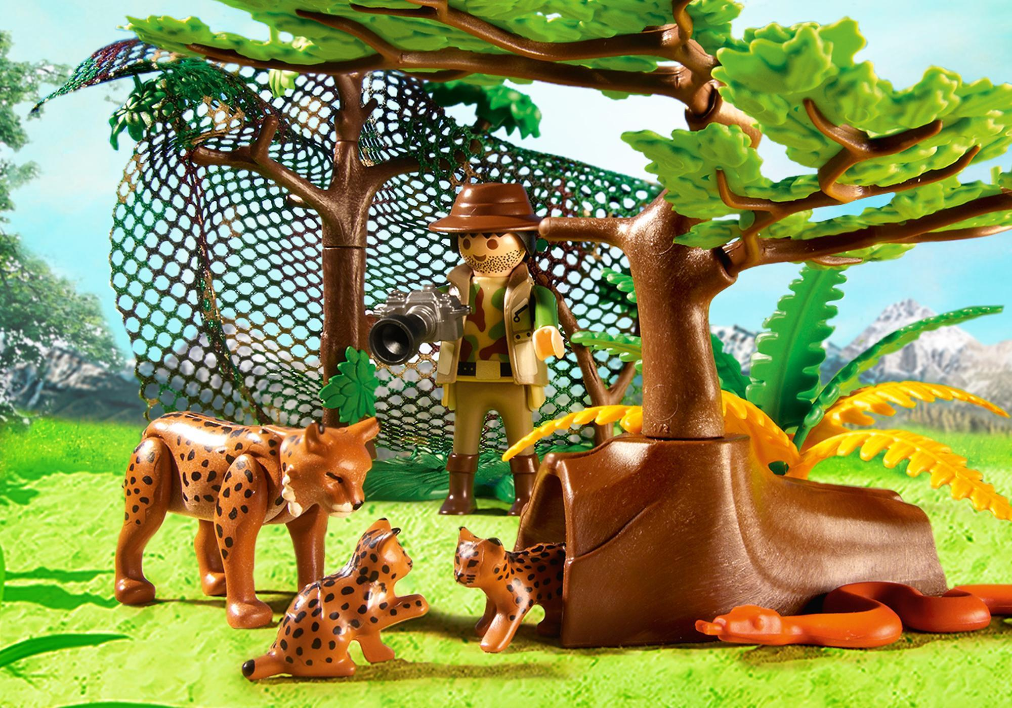 http://media.playmobil.com/i/playmobil/5561_product_extra1
