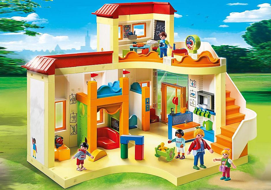 http://media.playmobil.com/i/playmobil/5567_product_detail/Grande asilo con area gioco e nido