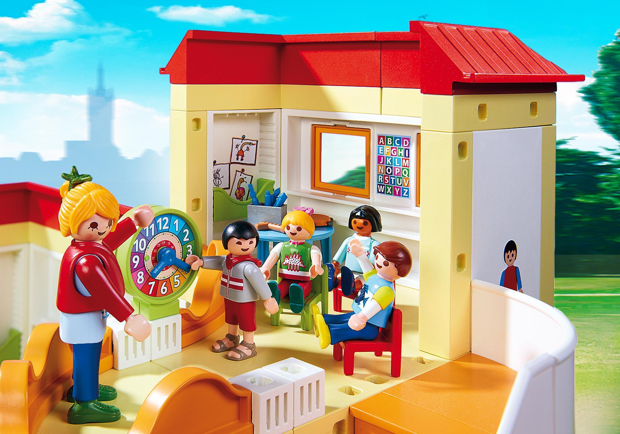 http://media.playmobil.com/i/playmobil/5567_product_extra1/Sunshine Preschool