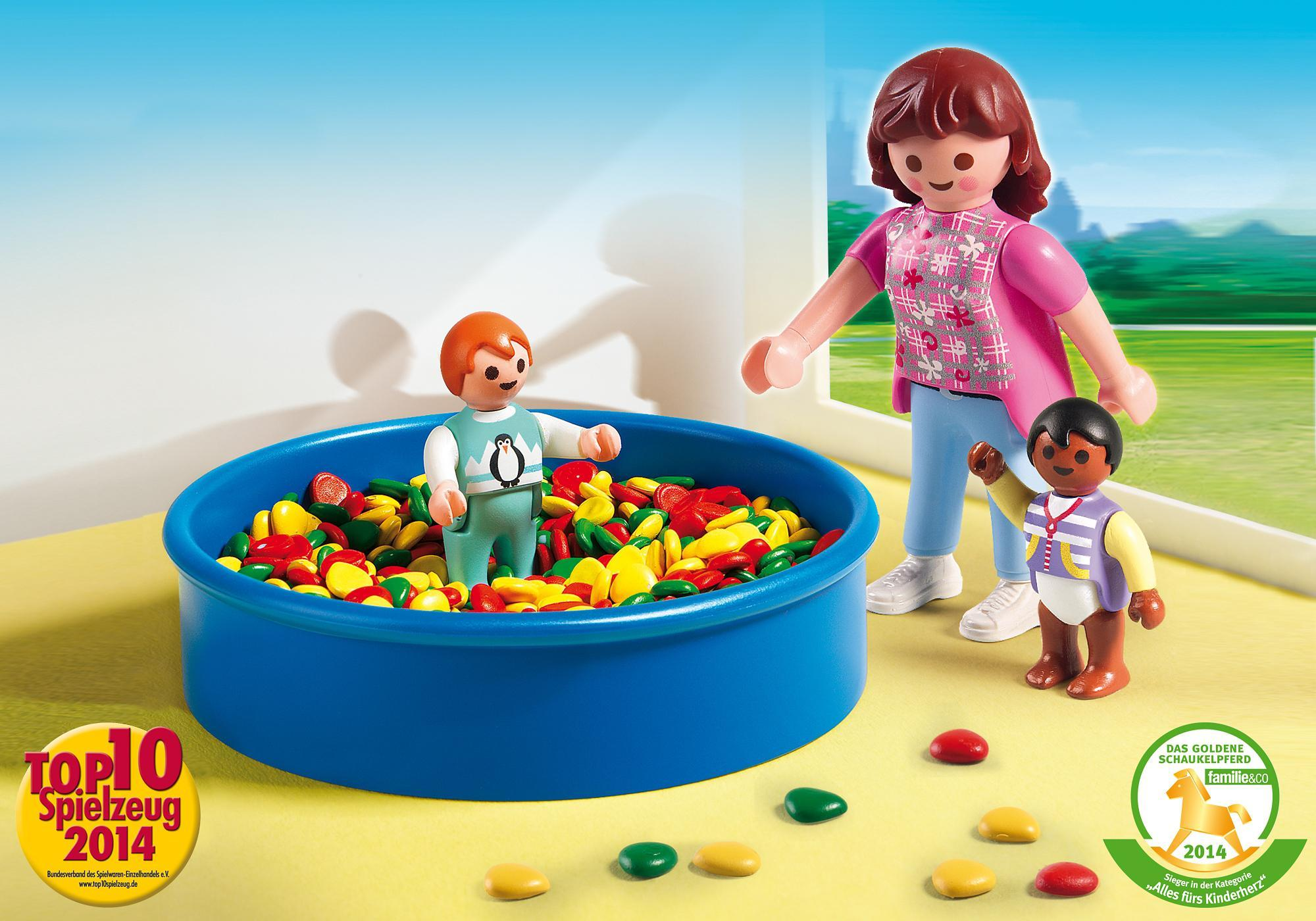 http://media.playmobil.com/i/playmobil/5572_product_detail/Bällebad