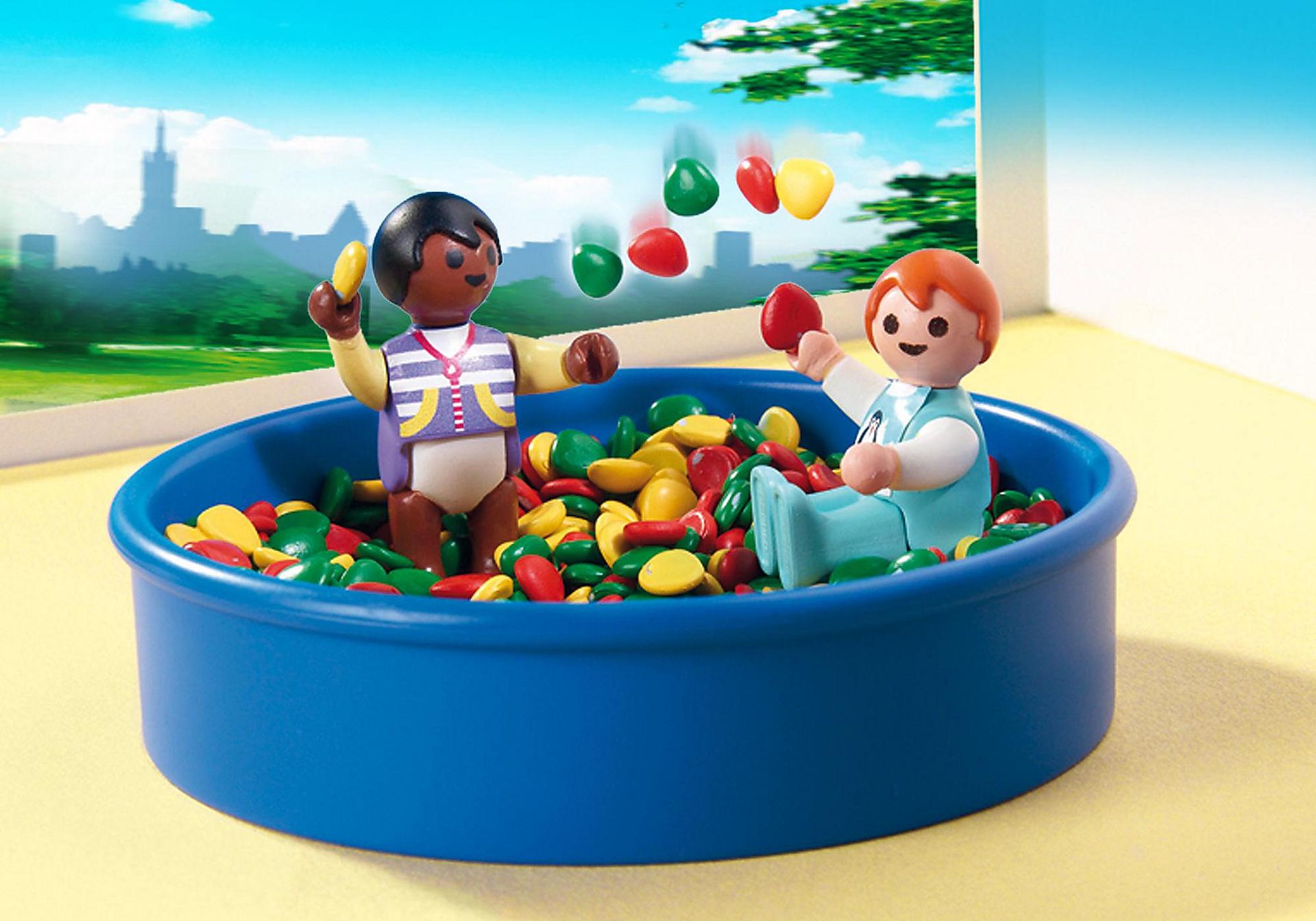 http://media.playmobil.com/i/playmobil/5572_product_extra1/Bällebad