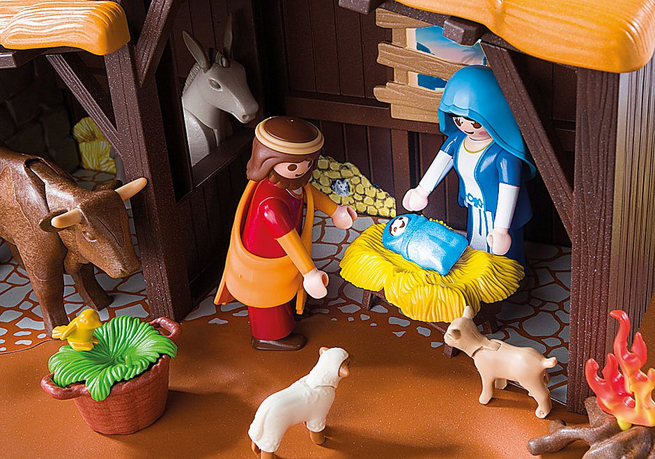 5588 Nativity Stable with Manger detail image 6
