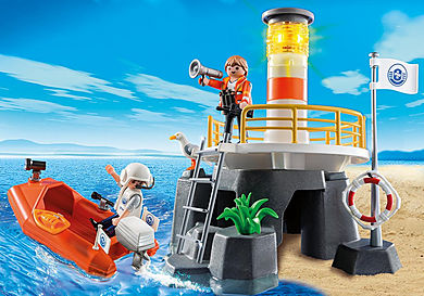 5626 Lighthouse with Lifeboat