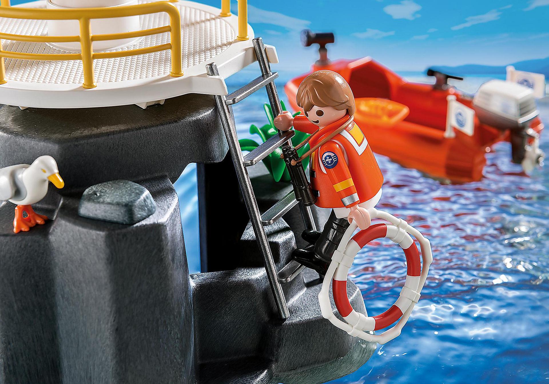 5626 Phare avec bateau de secours  zoom image4
