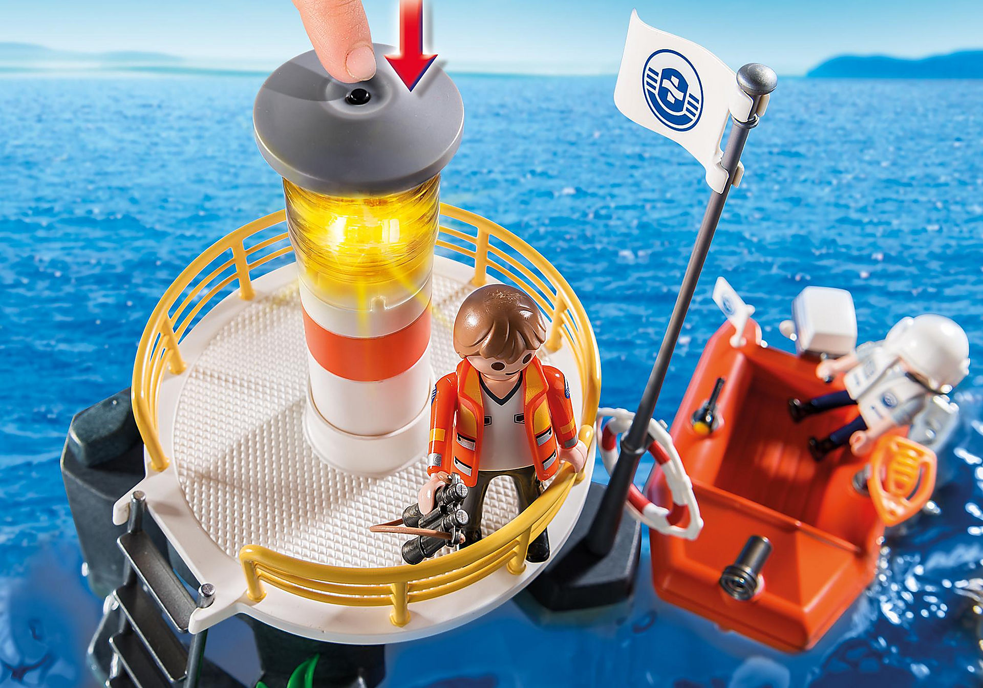 5626 Lighthouse with Lifeboat zoom image5