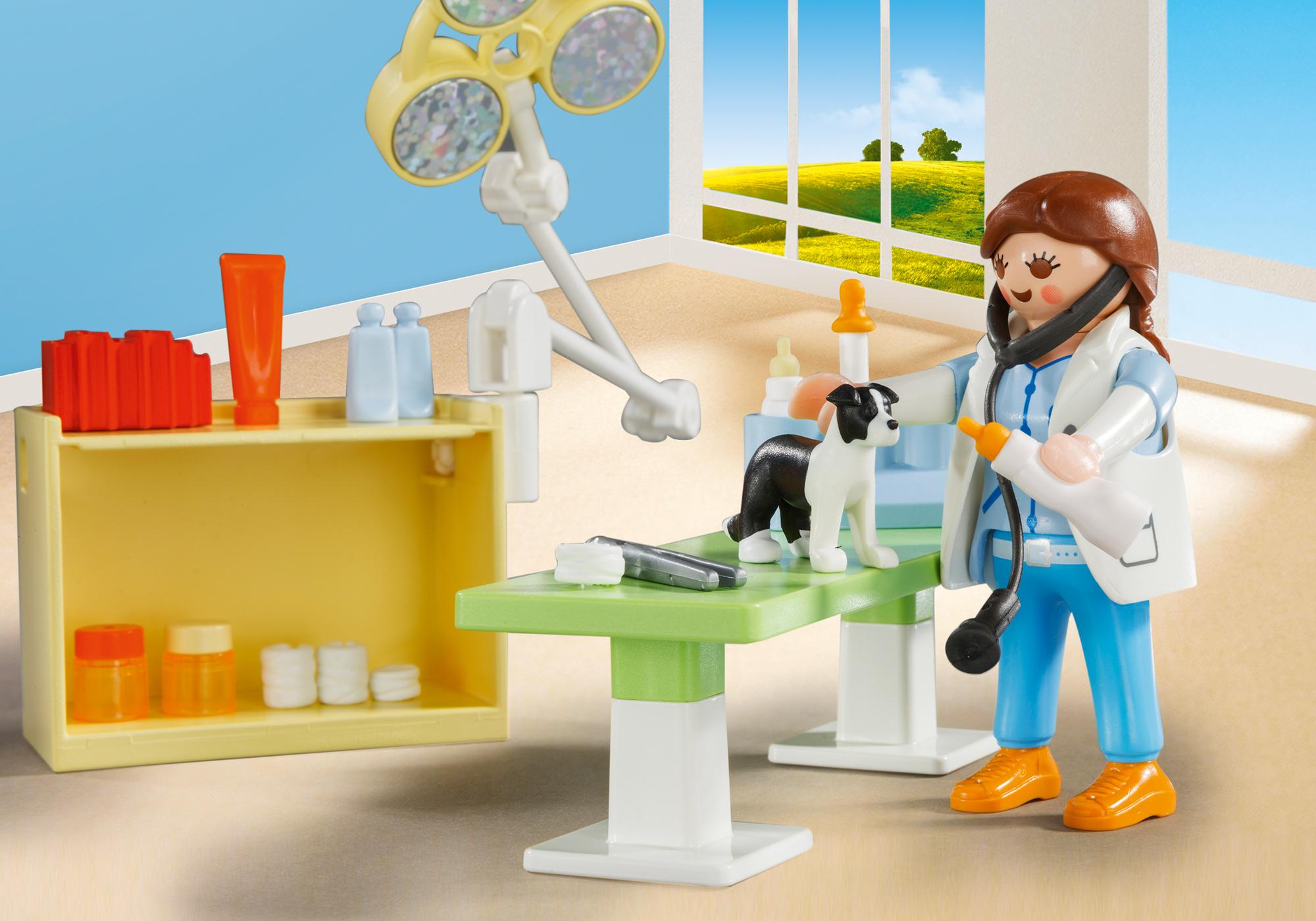 http://media.playmobil.com/i/playmobil/5653_product_extra2/Vet Visit Carry Case