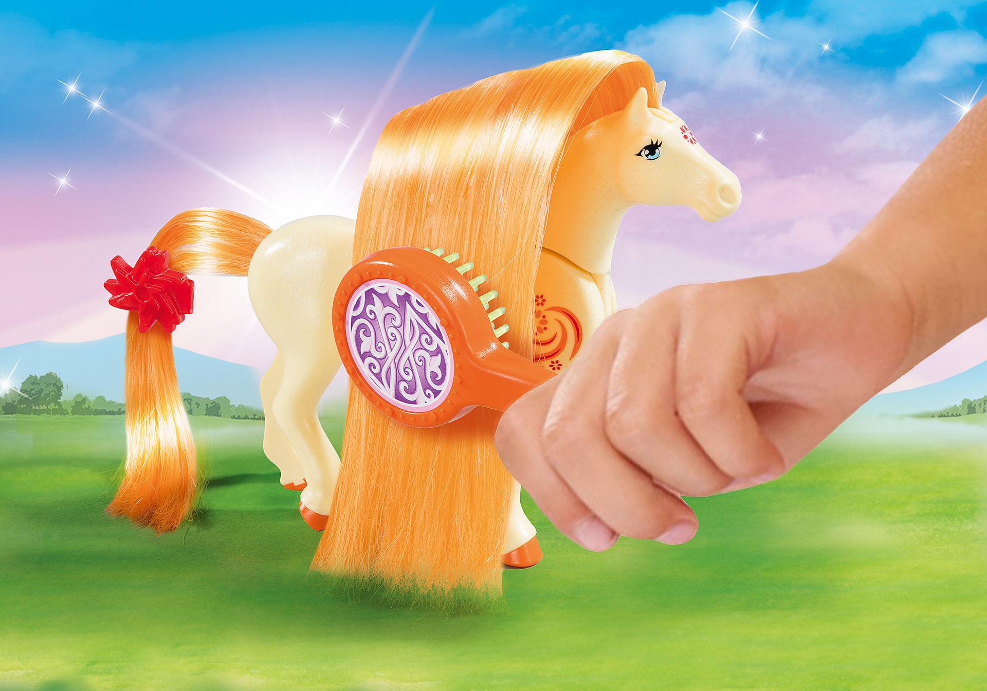http://media.playmobil.com/i/playmobil/5656_product_extra1/Maletín grande 'Princesa con caballo'