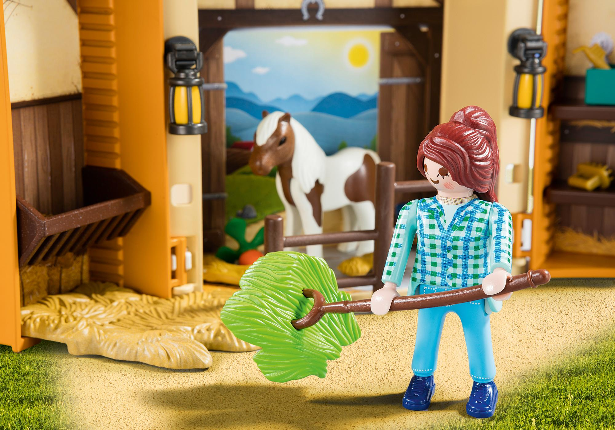 http://media.playmobil.com/i/playmobil/5660_product_extra2/Play Box - Horses