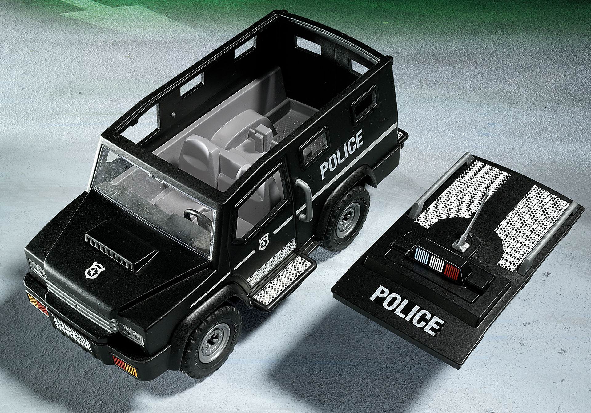 http://media.playmobil.com/i/playmobil/5674_product_extra1/Tactical Unit Car