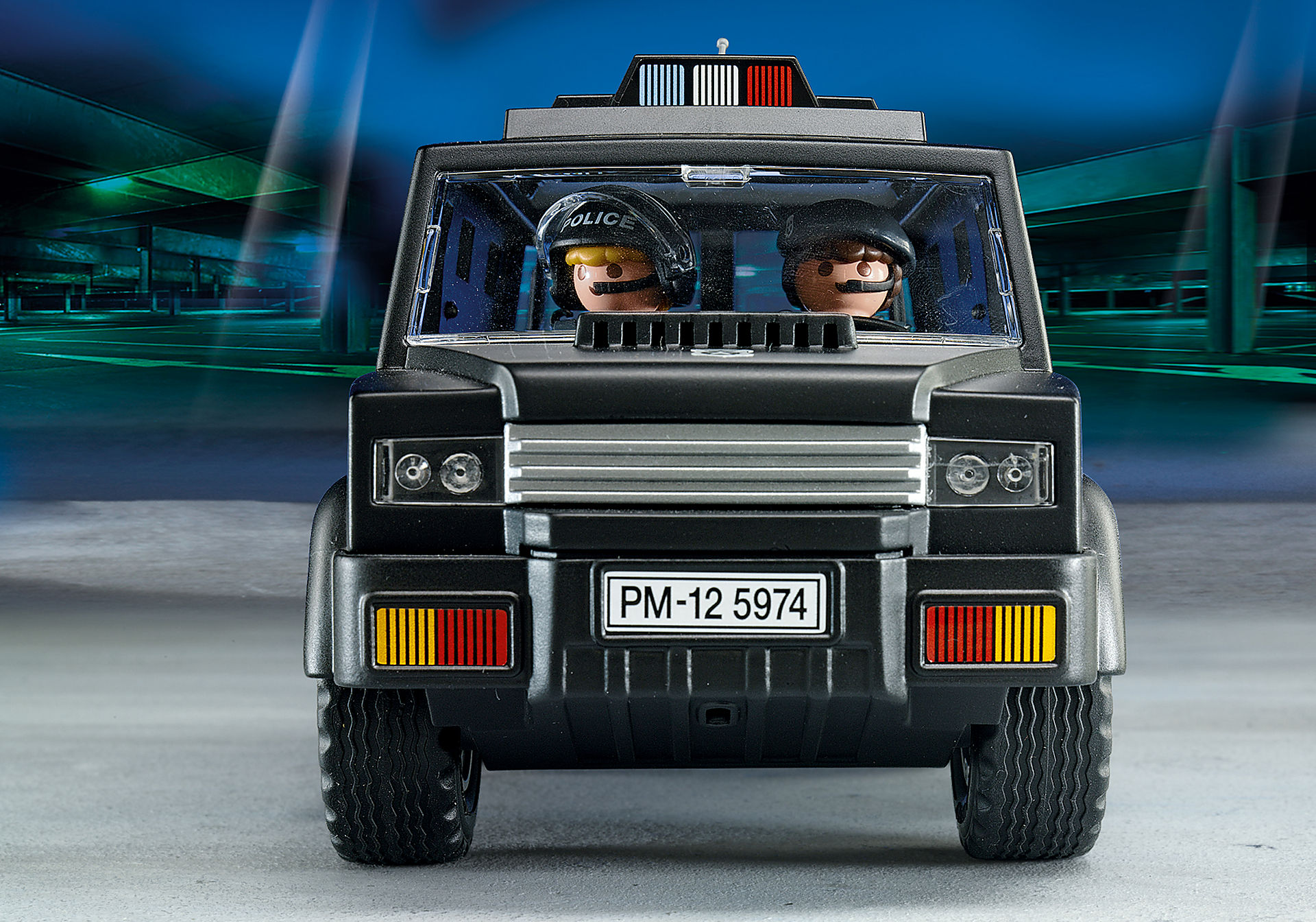 http://media.playmobil.com/i/playmobil/5674_product_extra2/Tactical Unit Car