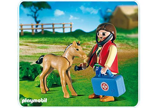 5820-A Tierärztin und Fohlen detail image 1