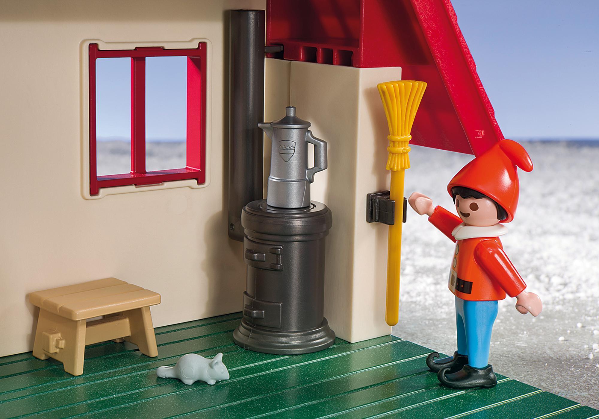 http://media.playmobil.com/i/playmobil/5976_product_extra3