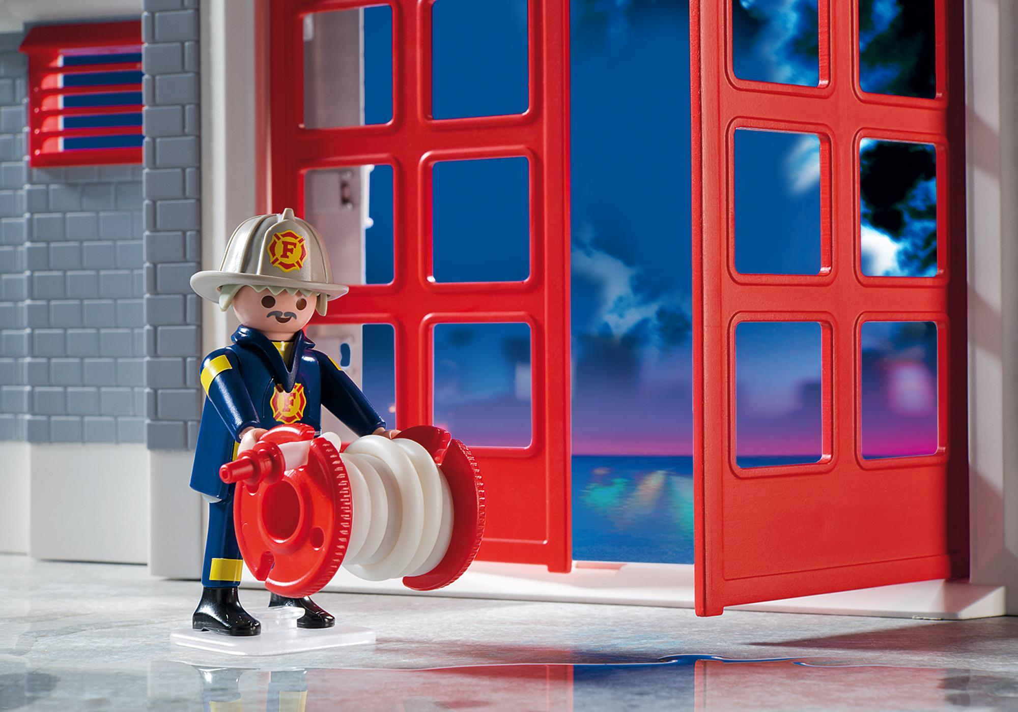 http://media.playmobil.com/i/playmobil/5981_product_extra1