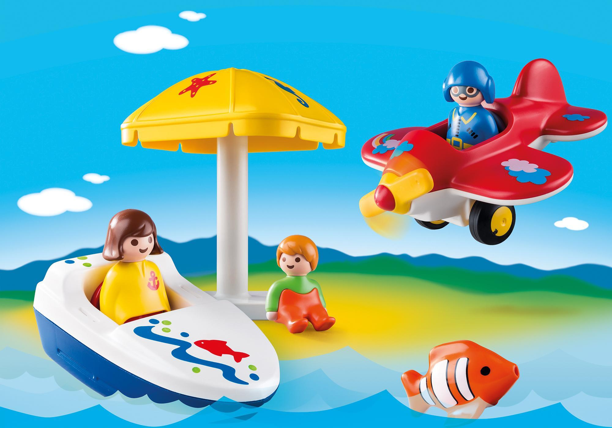 http://media.playmobil.com/i/playmobil/6050_product_detail/Te land, ter zee en in de lucht