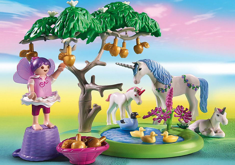 6055 Fairies with Toadstool House detail image 5