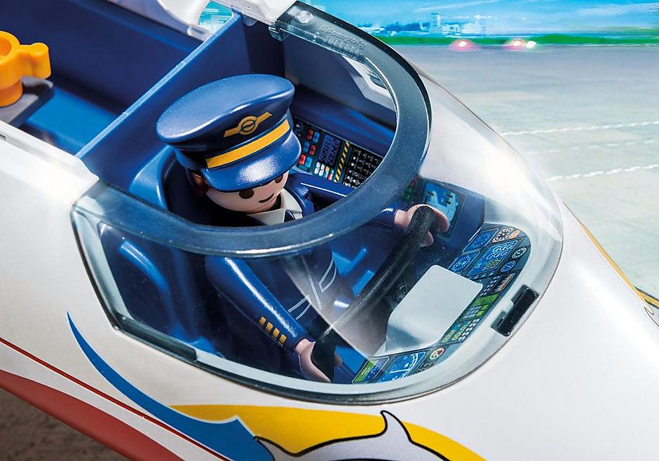 6081 Avion avec pilote et touristes detail image 6