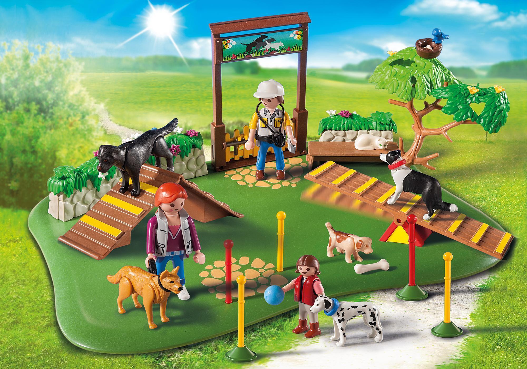 http://media.playmobil.com/i/playmobil/6145_product_detail/SuperSet Centre de dressage pour chiens