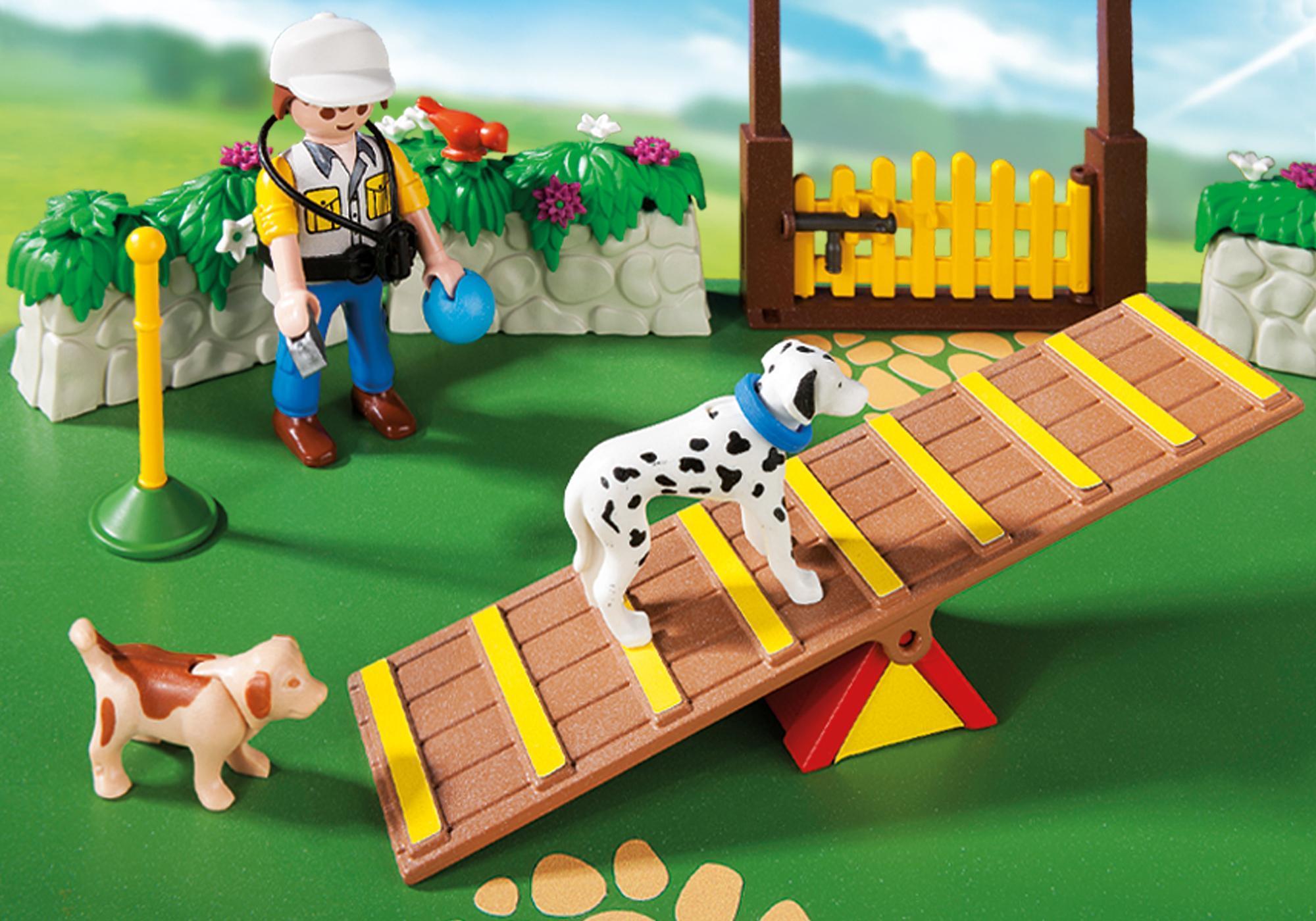 http://media.playmobil.com/i/playmobil/6145_product_extra2/SuperSet Centre de dressage pour chiens
