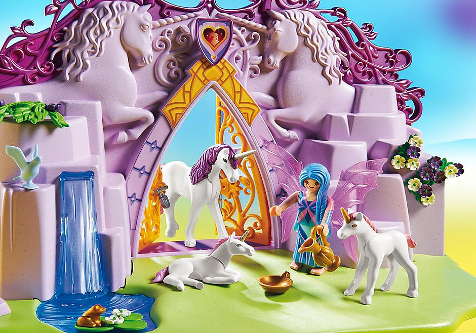 http://media.playmobil.com/i/playmobil/6179_product_extra3/Take Along Fairy Unicorn Garden