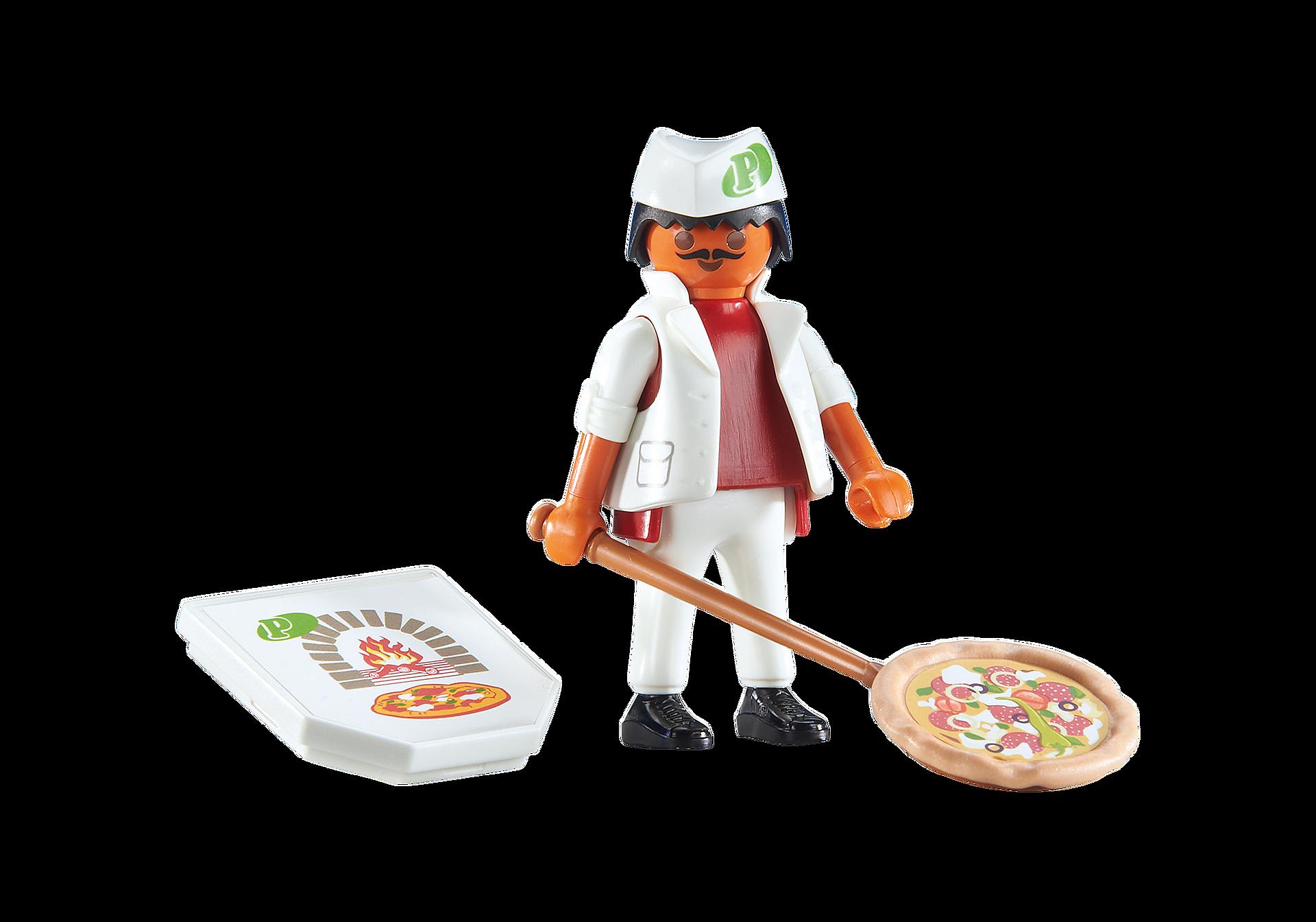 6392 Pizzaiolo avec pizza  zoom image1