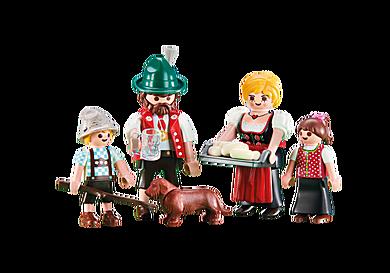 6395 Famille avec tenues traditionnelles bavaroises