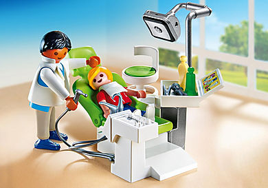 6662 Dentist with Patient