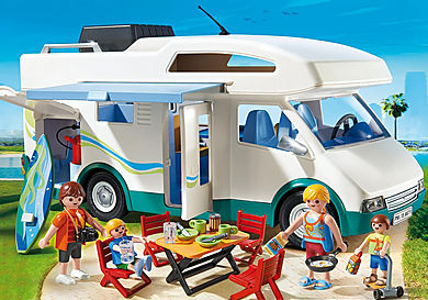 6671 Famille avec camping-car