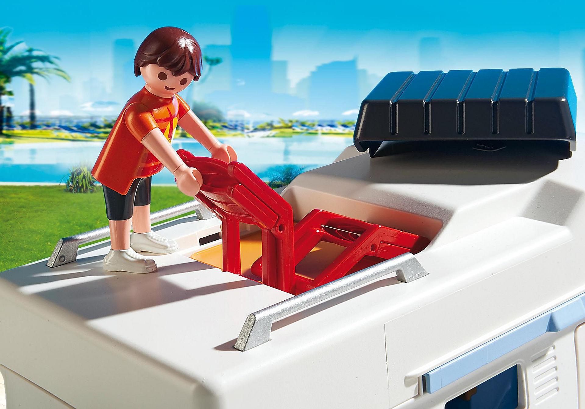 http://media.playmobil.com/i/playmobil/6671_product_extra2/Οικογενειακό τροχόσπιτο