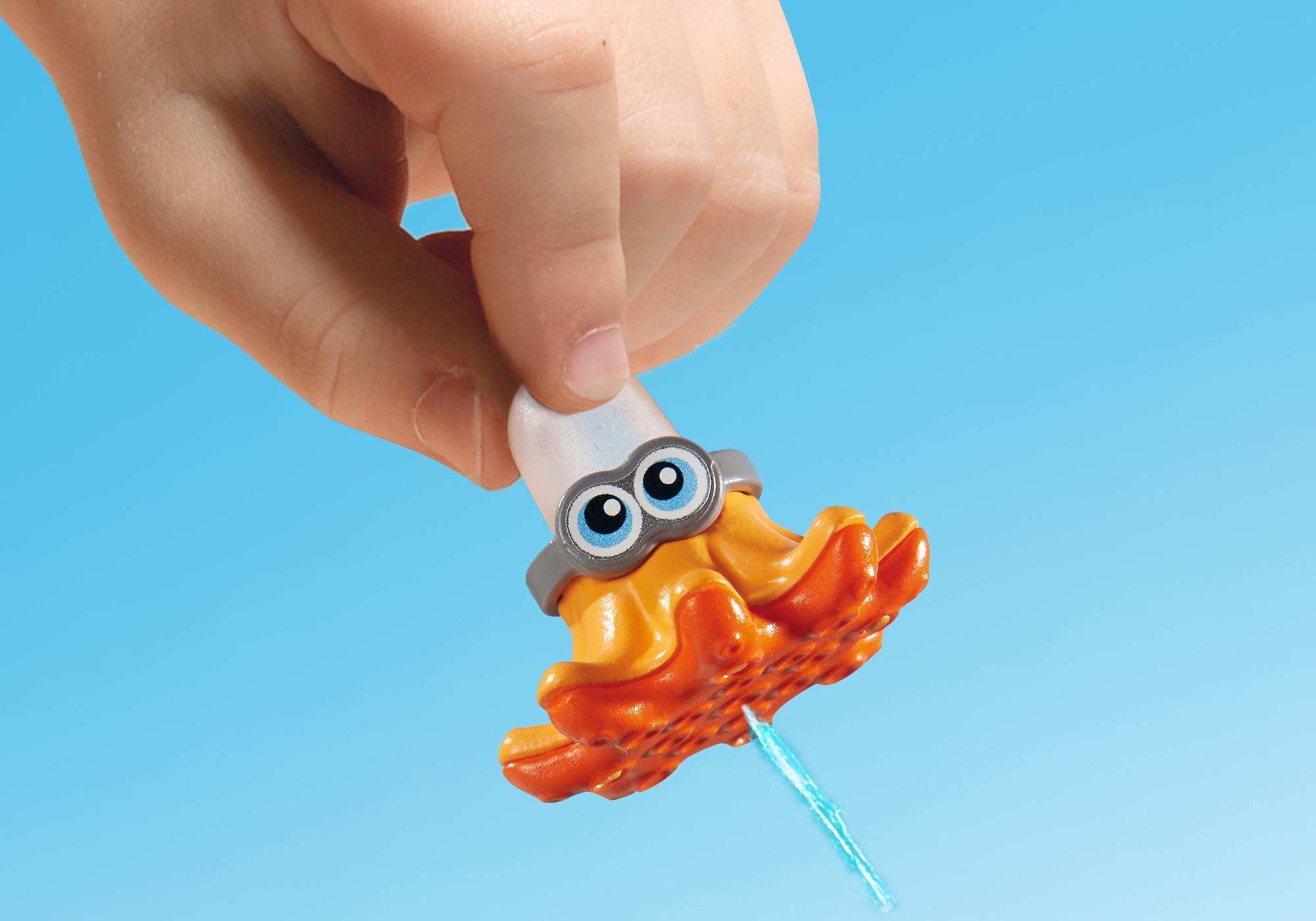 http://media.playmobil.com/i/playmobil/6673_product_extra2/Piscina para Bebés com Escorrega