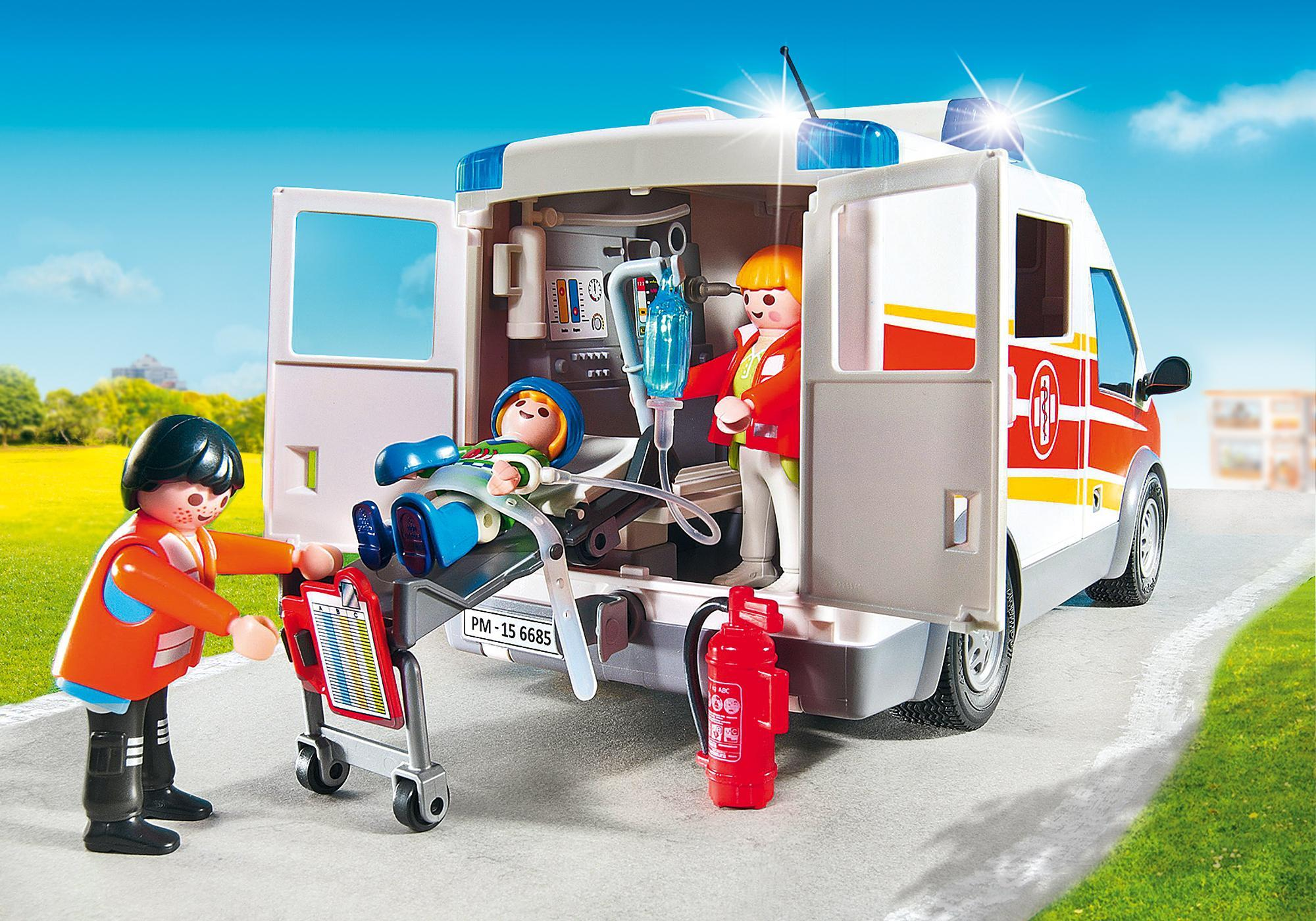 http://media.playmobil.com/i/playmobil/6685_product_extra2/Ambulancia con Luces y Sonido