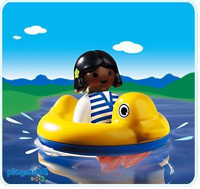 http://media.playmobil.com/i/playmobil/6726-A_product_detail/Kind mit Schwimmreifen